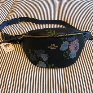 NWT Coach floral fanny pack. Never worn. Perfect.